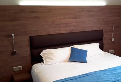 L\'Hôtel Flots d\'Azur *** à Nice dispose de 17 chambres récemment ...
